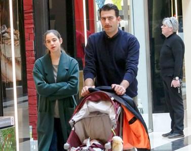 Γέννησε η ηθοποιός Νεφέλη Κουρή: Η πρώτη δημόσια έξοδος με τον σύζυγό της και το μωράκι τους!
