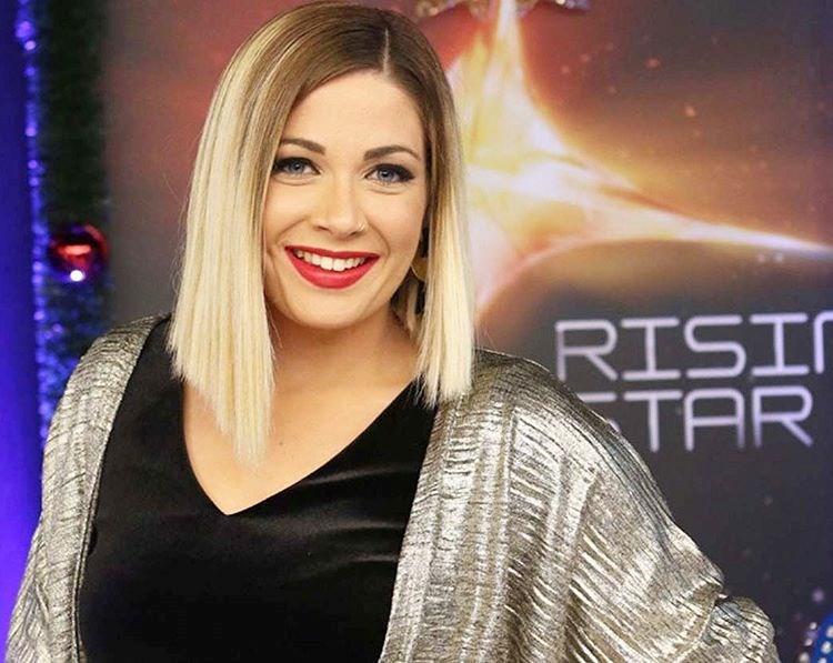 Κέλλυ Βουδούρη: Η σαγηνευτική φωνή του Rising Star αποκαλύπτεται στο FTHIS.GR!