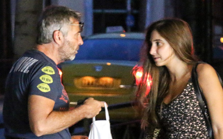 Paparazzi! Θοδωρής Αθερίδης: Για ψώνια στο κέντρο της Αθήνας μαζί με την κόρη του, Φωτεινή!