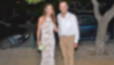 Μυστικός γάμος για πασίγνωστο Έλληνα τραγουδιστή με θαυμάστριά του!