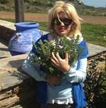 Στα Άχλα με άκρως ανοιξιάτικη διάθεση η Ελένη Μενεγάκη - Η φωτογραφία που δημοσίευσε στo Instagram!