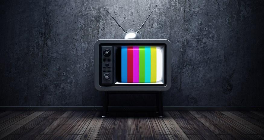 Απίστευτο: Ποια καθημερινή εκπομπή της ελληνικής τηλεόρασης σημείωσε 1,1% στους πίνακες τηλεθέασης;
