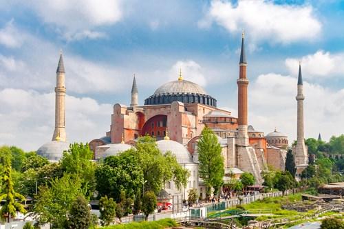 <span class=categorySpan colorLightBlue>Top News/</span>Δεν θα γίνει τζαμί η Αγία Σοφία, αποφάσισε η τουρκική Δικαιοσύνη