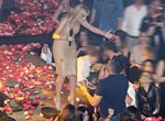 Paparazzi! Ο Σέρος Μύρτας γιόρτασε τα γενέθλιά του στη Νατάσα Θεοδωρίδου